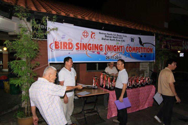Lomba burung murai batu di Singapura