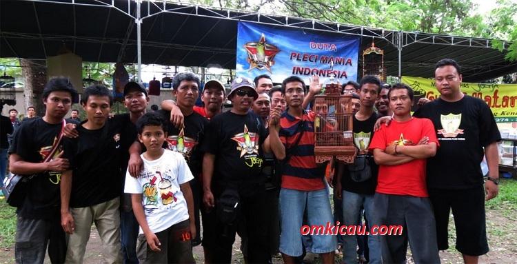 DUTA PCMI - KOMPAK PENUH KEKELUARGAAN PADA LOMBA BURUNG SOLO KOTA BUDAYA 2012