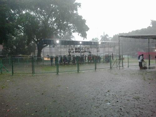 Hujan mengguyur arena lomba Valentine Jogja