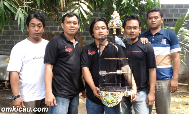 ANTO 999 SRAGEN & KRU: TANGGUH DI KELAS LOVEBIRD MEGA BINTANG