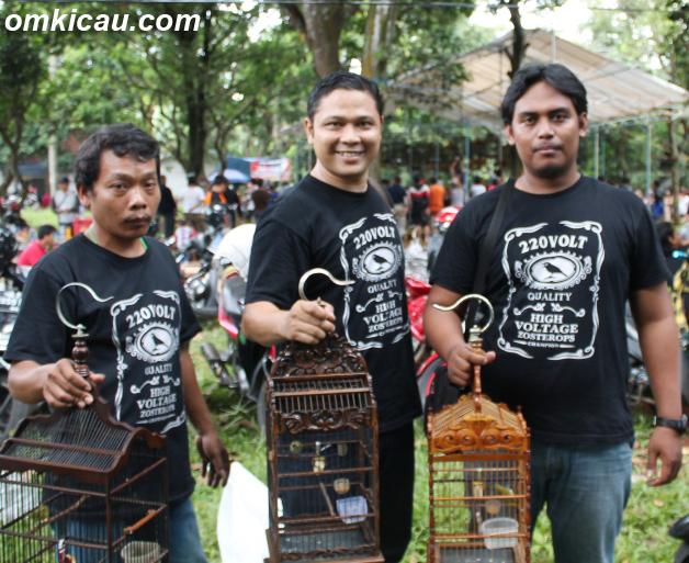 Om Dwi dari Duta KM borong dua gelar juara di Kelas Pleci.