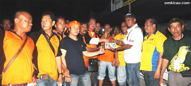 Jayakarta Team ketika menjadi juara umum Bird Club dalam BnR Award di Cibubur (3/3).