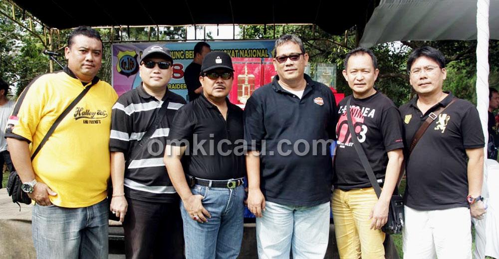 Dari kiriL Dicko IBI, Mr Chandra Pontianak, Drs Suprojo WS, Bang Boy, Mr Yayang, dan Andi.