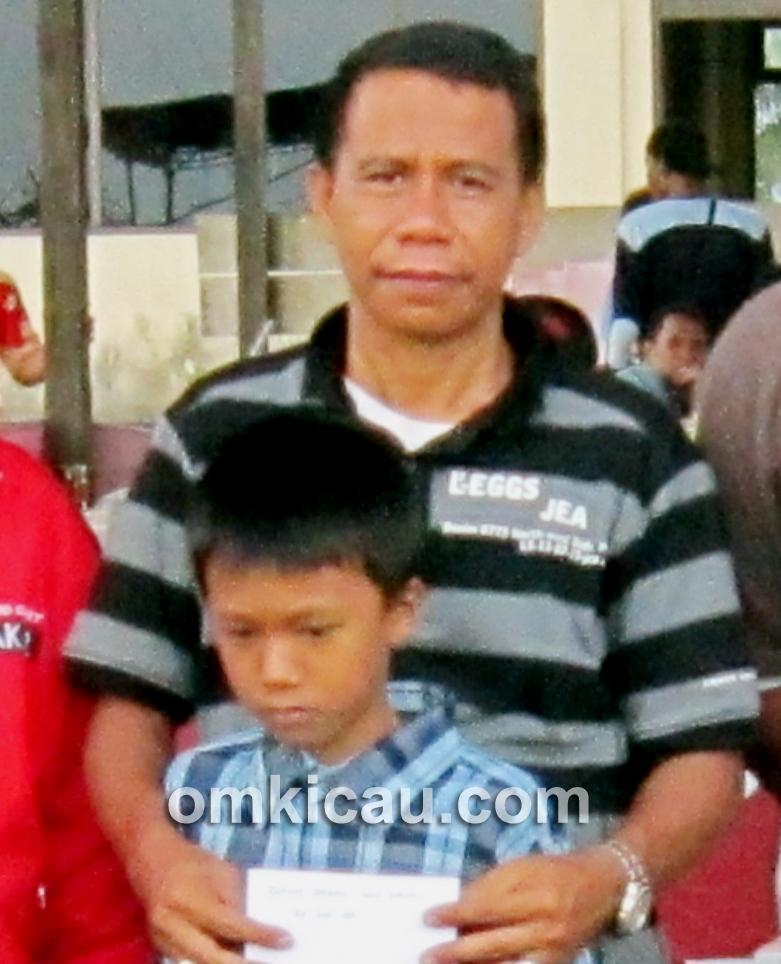 H Iwan Palangkaraya, tokoh kicaumania senior di Kalimantan, ikut meramaikan Lomba Burung Danlanud Cup VII di Pangkalanbun.