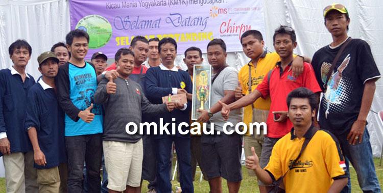 Duta 168 meraih gelar juara umum bird club.