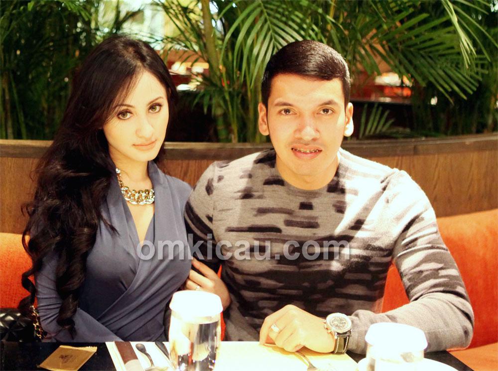 Khadafi dan Disa menjelang hari penikahan.