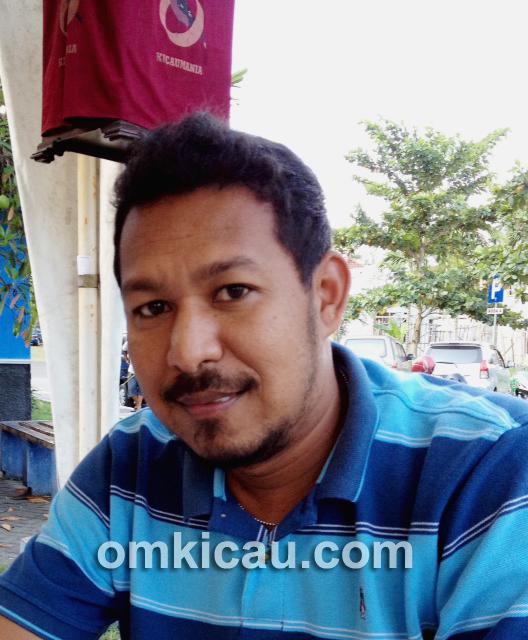 Hervi Papua saat latber di Taman Kuliner Jogja.