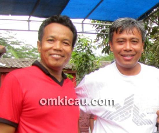 Om CJ (kanan) aktif mengkampanyekan Kicaumania Cup di Lapangan Banteng, 2 Juni 2013.