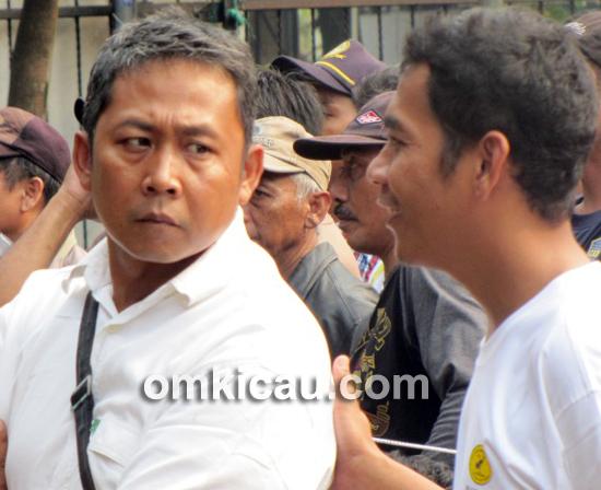 Om Wowo (kiri), salah seorang panitia PBI Bogor.