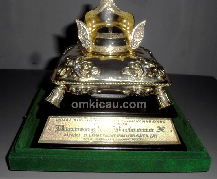 Trofi Mahkota Raja