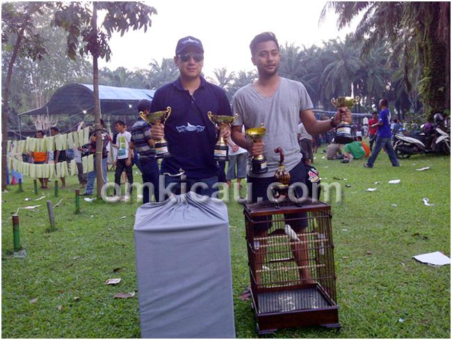 Andre Sutanto dan Waqi