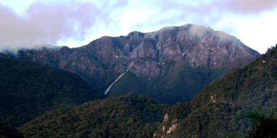Gunung Binaiya Taman Nasional Manusela Pulau Seram