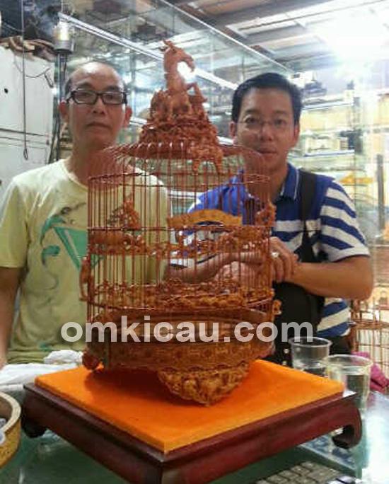 Ahli ukir sangkar burung di Guangzhou
