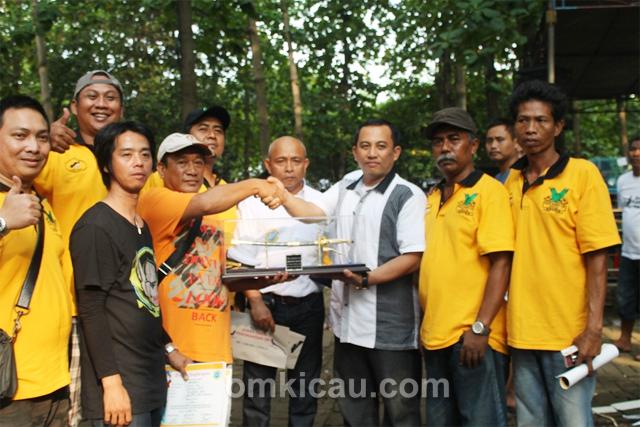 Duta Pakde Karwo Cup juara umum BC