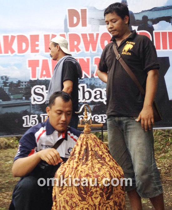 Fahmi dan anis merah Kobelco