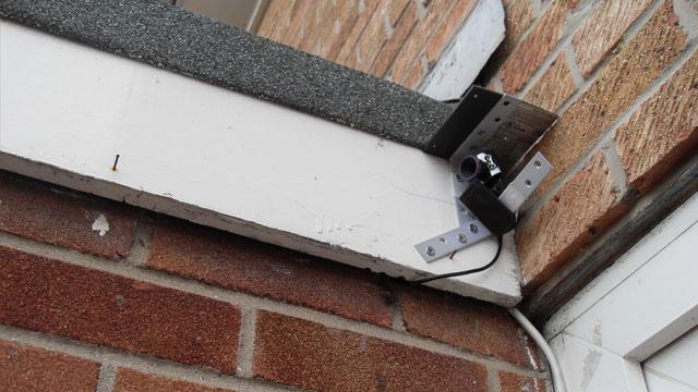 Webcam yang digunakan sebagai CCTV