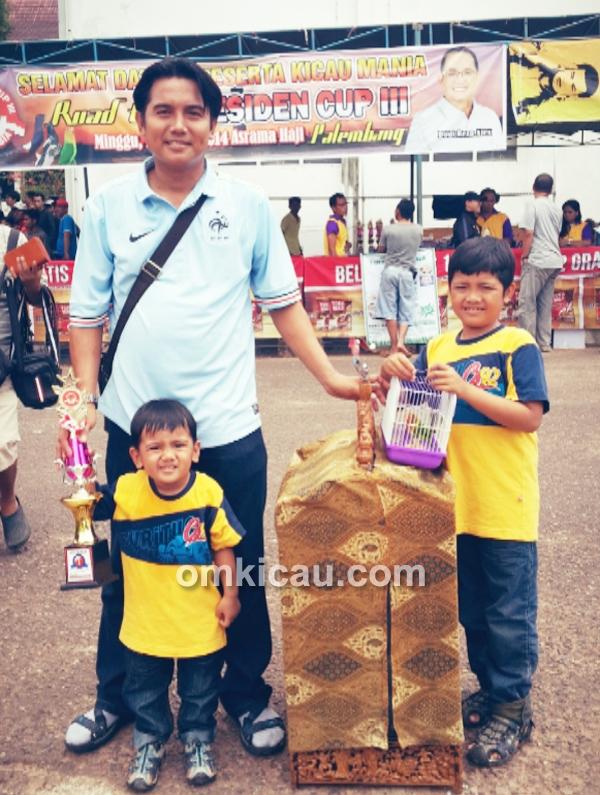 Mr Said BH dan kedua anaknya