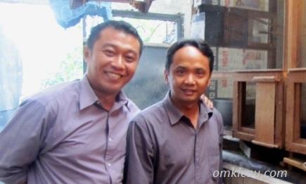 Om Firli (Kiri) dan Om Eko (kanan)