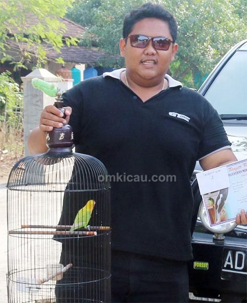 Mr Eces dan lovebird Srikandi