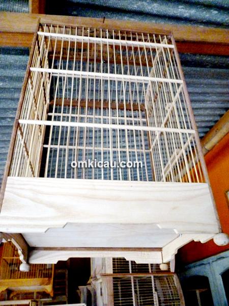Suta, perajin sangkar burung