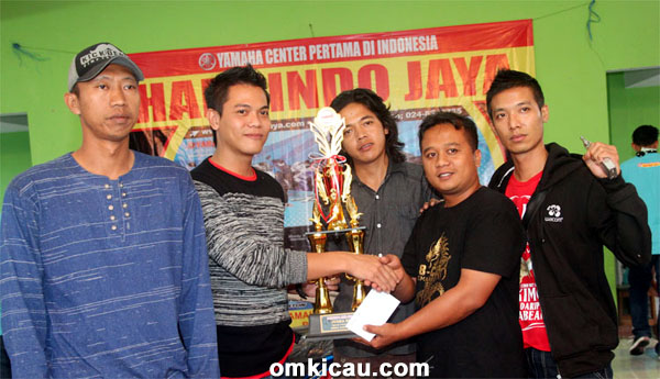 168 Team juara umum single fighter