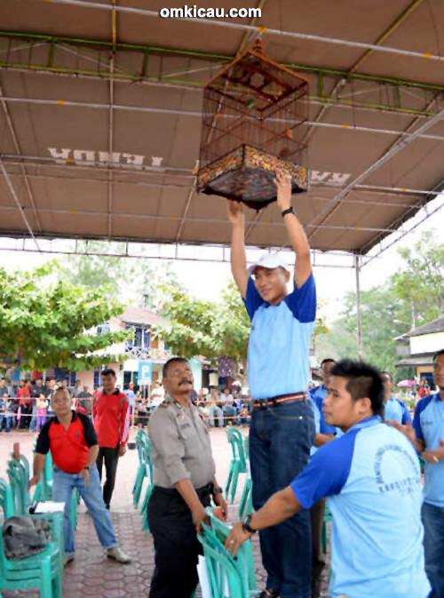 Lomba Burung Kapolres Barito Utara Cup