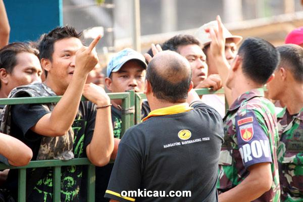 Penonton di Piala Raja 2014