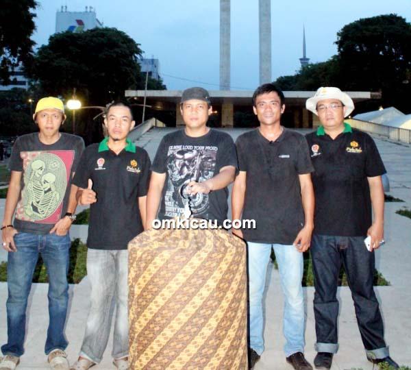 Darwin (tengah) – MB Kitaro double winner