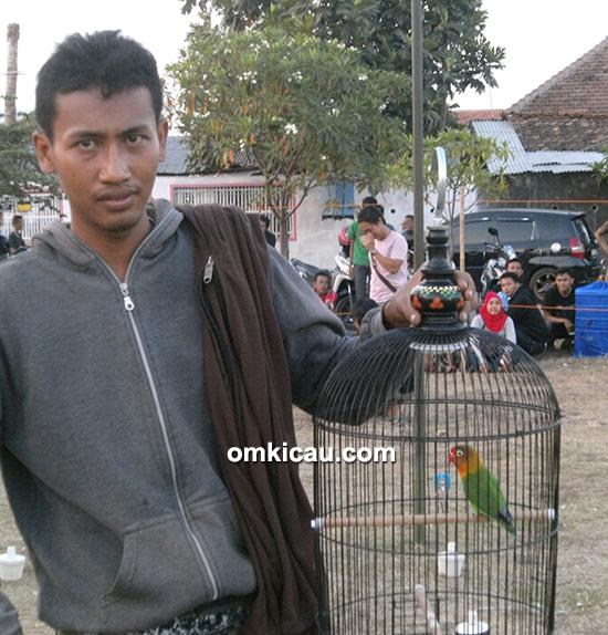 Om Imam dan lovebird Armada