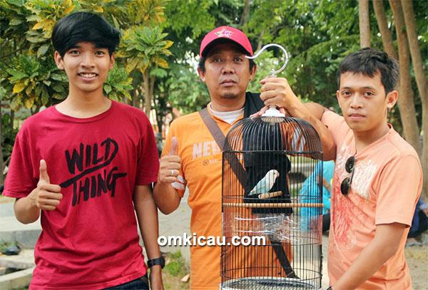 Aryo dan lovebird Mahadewi