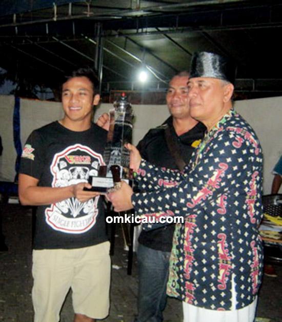Fitri BKS juara umum SF