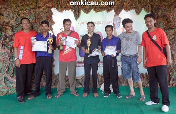 Para pemenang di Kelas Kenari Isian