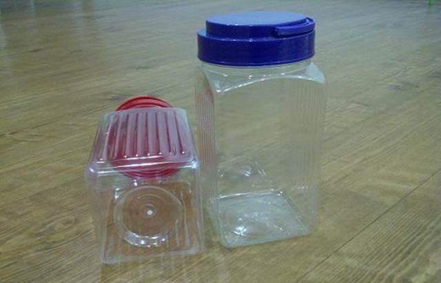Jenis toples plastik yang digunakan untuk membuat bak mandi burung