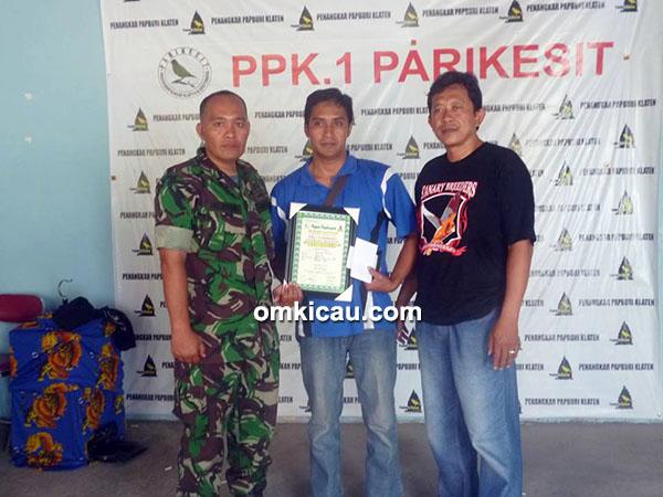 Totok Dani (tengah) juara 3 Kelas Isian