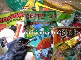 Aneka merek voer burung yang menggunakan plastik kemasan