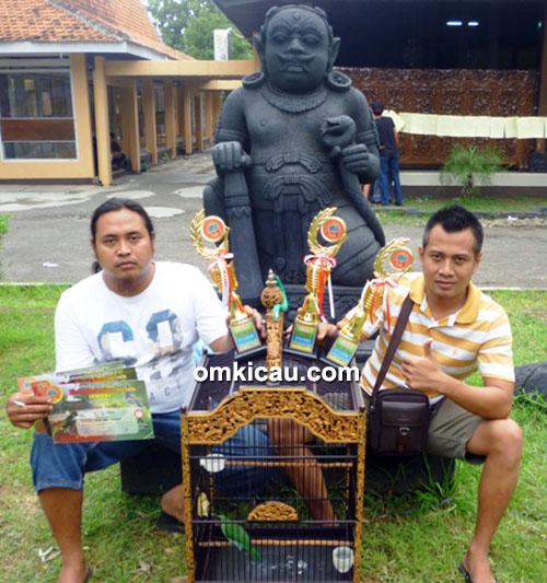 Om Tiyo Permata dan cucak hijau Panglima