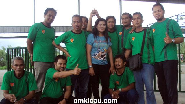 Latpres Arjuna Team - David (kanan) bersama panitia dan juri Arjuna Team.