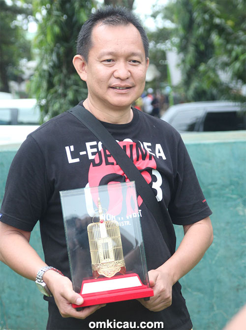 Plaza Cup 3 Semarang - Yayang Pangkalanbun tetap mengandalkan cucak jenggot Ratu Jagat.