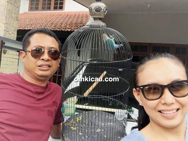 Om Cahyo dan lovebird Dewi Sri