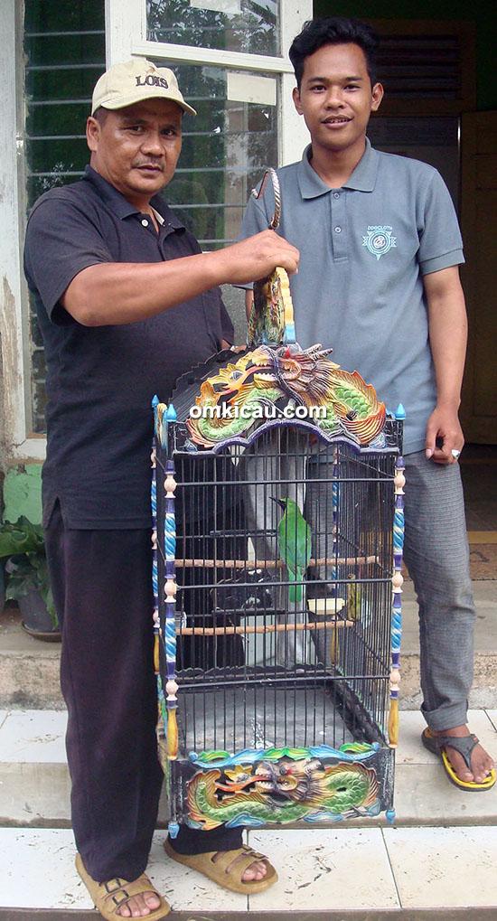 Om Wahyono dan cucak hijau Bang Jali