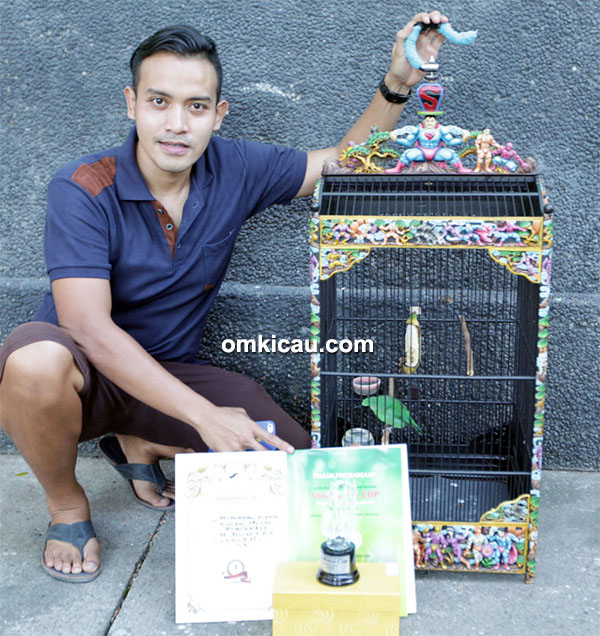 H Rizal LBM dan cucak hijau Persebaya