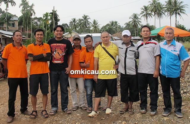 Om Said dan personel Jambi Team