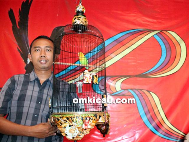 H Aris bersama lovebird Dewa Mabuk