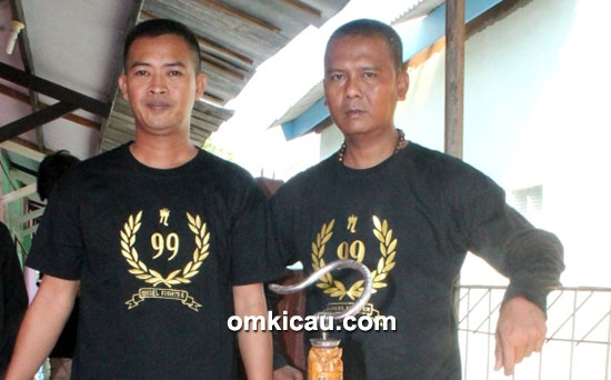 Om Nana 99 (kiri) dan Om Fani Cantona