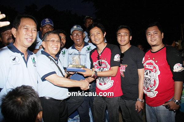 H Fitri BKS juara umum SF