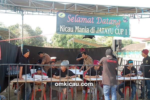 Kesibukan panitia Jatayu Cup I