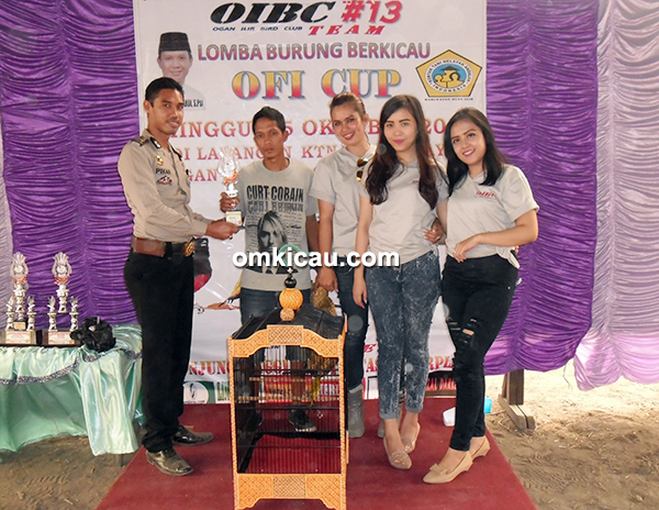 Kenari Bomak milik SVN Canary Palembang