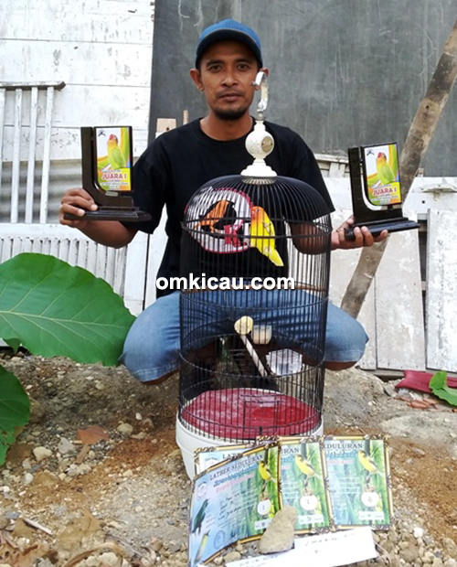 Mr Thoha (Samen BC) dan lovebird Sari