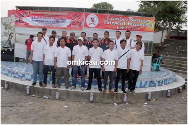 Panitia lomba burung berkicau LPPP Cup Samarinda