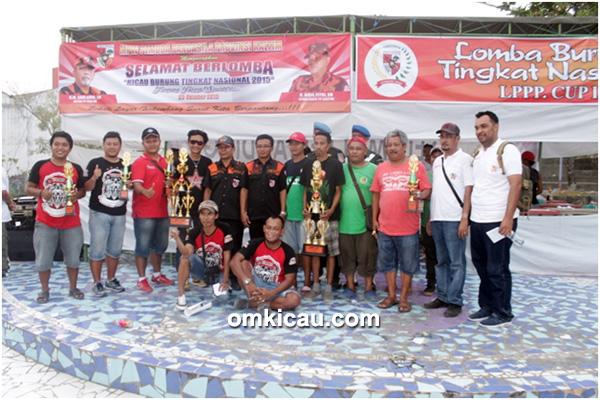 Pelangi BC dan Fitri BKS juara umum LPPP Cup